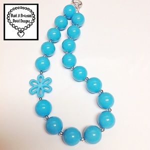 Turquoise Solid Flower Necklace